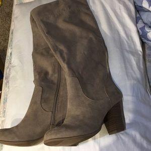 Suede boots stacked wooden-look heel